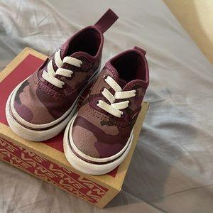 Baby unisex vans shoes size 4
